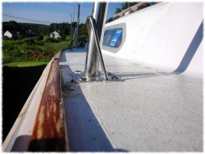 The final life line installed on the O'day 22.  Now ready for the summer.
