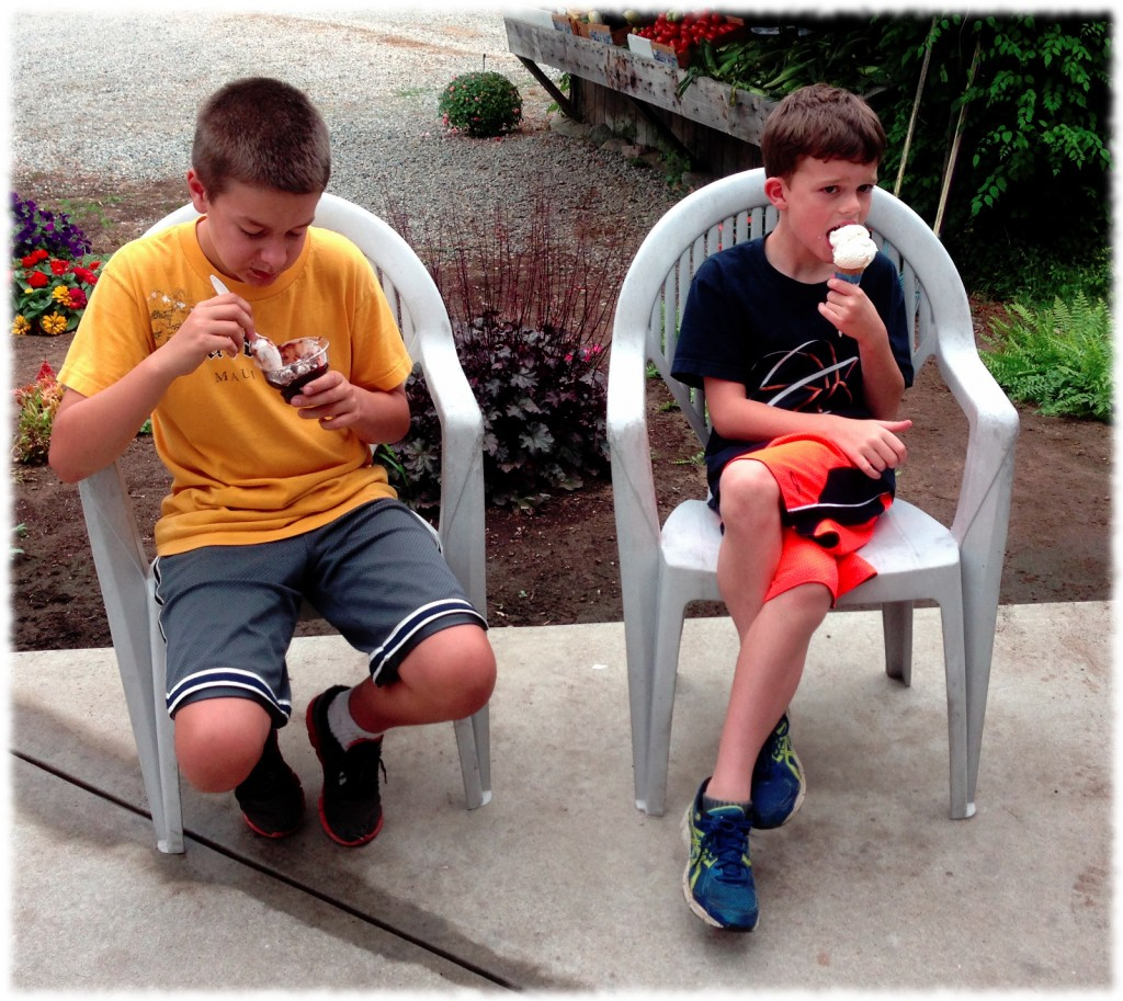 On Sunday, we stopped by Cows and Cones in Ledyard for Ice Cream.  Here is Will and his cousin, Brady, eating their ice cream.