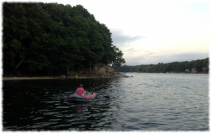 Susanna taking the dinghy ashore in the late evening.