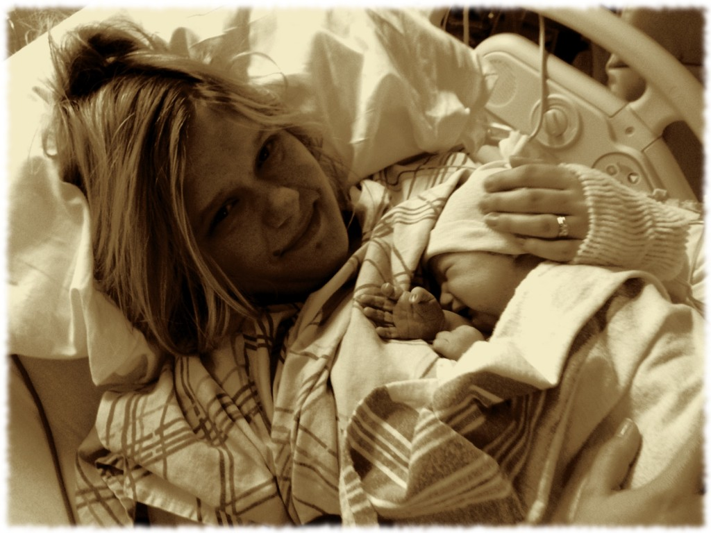 Susanna holding Isabella moments after delivery.